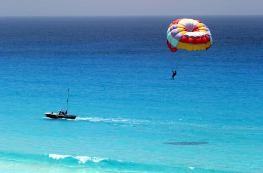 Parasailing en Punta Cana: el tour con más adrenalina que puedas tomar.